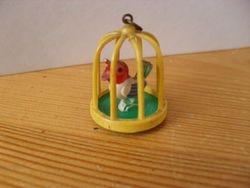 Plastic birdcage