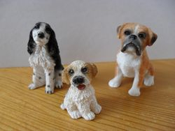 Resin dogs