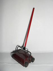 Carpet sweeper 1950's