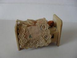 Small dolls cot