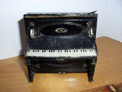 Tin and Soft metal piano