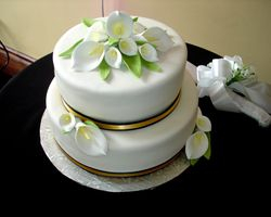 Wedding Cake with Sugar Calla Lilies