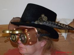 First mate's hat n goggles