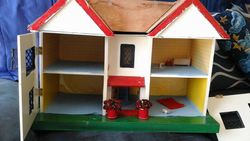 open view of unknown dolls house, year and brand unknown