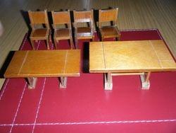 Barton Table & Chairs