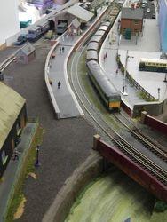 Express stops at Hungate Bridge.