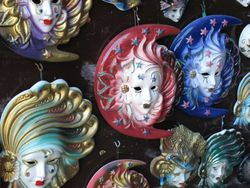 Wall plaques / masques