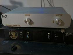 Pre amplificador DACT