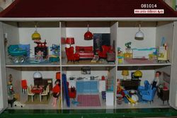 Triang dollhouse from LINES BROTHERS open