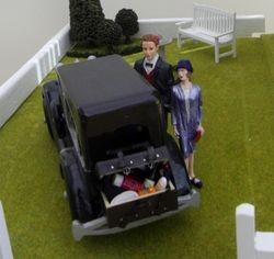 Wallis & Edward prepare for a picnic
