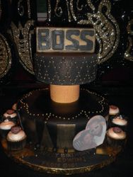 """BOSS"" Cake w/ matching cupcakes"
