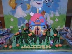 Smurf Village Cake w/ Smurf House