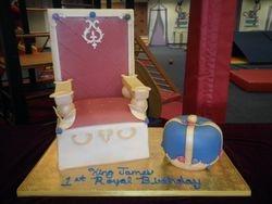 King Throne & Crown Cake