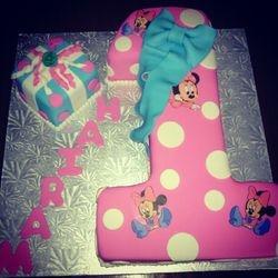 Minnie Mouse #1 Cake