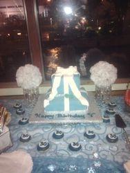 Tiffany Boxes w/ Cupcakes