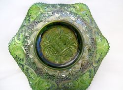 Fine Cut Heart, reverse of Primrose ruffled bowl, green