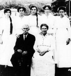 Richard & Francis Windsor and girls