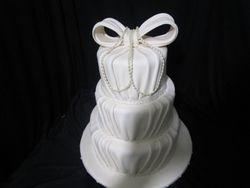 White pleated cake