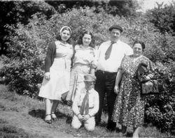 1940 picnic family