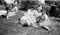 1940s NY picnic Irene mother