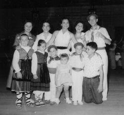 1955 NY picnic inside
