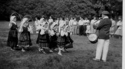 1956 NY girl dancers at picnic