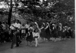 1962 NY girls dance entrance Oñatibia