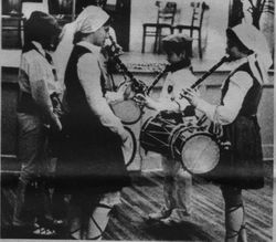 1976 NY children txistularis