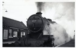 Train steams through Hammerwich station