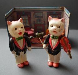 The feline impresarios Scratch and Scrape proudly present...