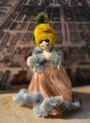 Edel's tiniest Grödnertal doll