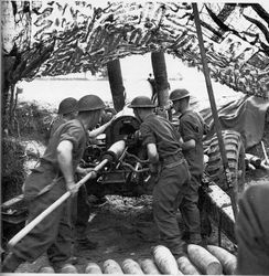 5.5 Gun crew in action in Normandy Summer 1944