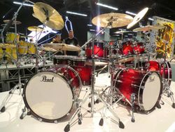 A spectacular Reference kit in a vibrant finish.