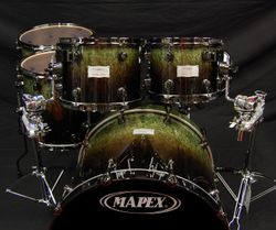 Mapex Saturn limited edition in moss green finish (front)
