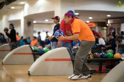 The steward in bowling action; Din Bangau