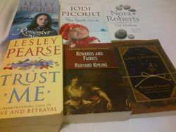 6 books - 100 AED