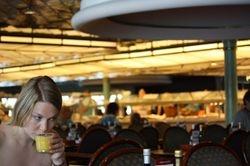 jedan od restorana na brodu