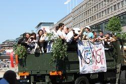 i nakon 5 dana brucoska zabava na ulicama Stokholma i dalje traje