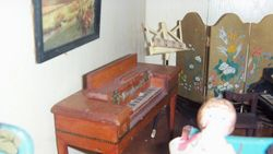 Astor piano, spinet.