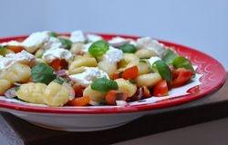 gnocci met basilicum en tomaat