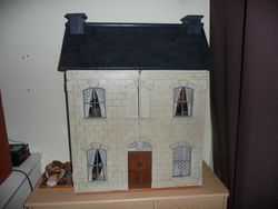 Late 1800's Dolls House