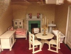 Early 20th Century Dolls' House Bedroom with bathroom in it!
