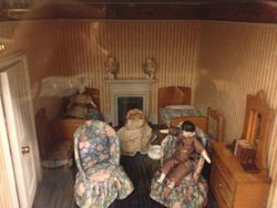 Early 20th Century Dolls' House - Bedroom