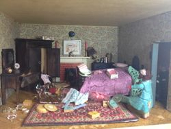 In the bedroom, Isla was confronted with a shocking sight - it had been completely trashed.
