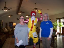 Presentation of a donation to RMH