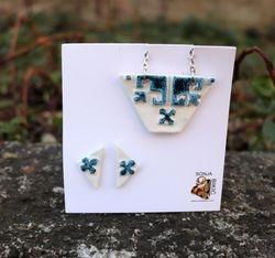 Privjesak i nausnice od porcelana