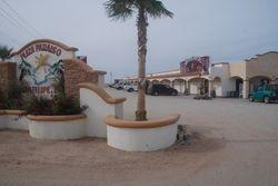 El Paraiso shops looking north