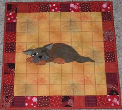 Catty table topper