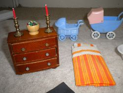 Linda's Miniatura buys