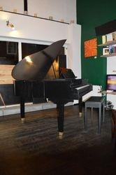Semigrand Piano